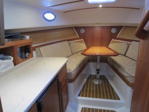 29' Back Cove 2007 interior