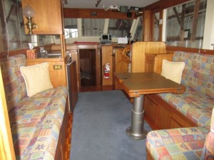 32' Island Gypsy Sedan Bridge Trawler 1982 interior view