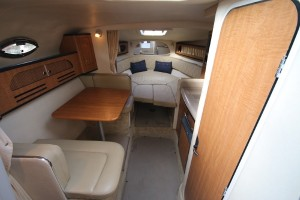 28' Sea Ray 280 Sundancer 2006 Interior