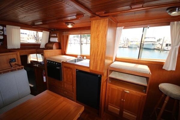 34' CHB Trawler 1982 Interior