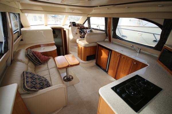 Cummins For Sale >> New Listing: 34' Meridian 341 Sedan 2003 - Van Isle Marina