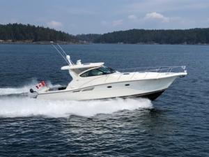 42' Tiara 4200 2004 at the BC Boat Show