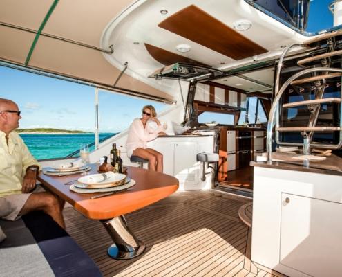 Belize Motor Yacht - 54 Daybridge dinnertime