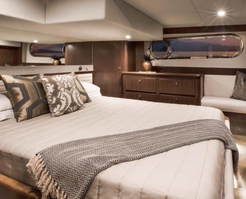 Belize Motor Yacht - 54 Daybridge master stateroom