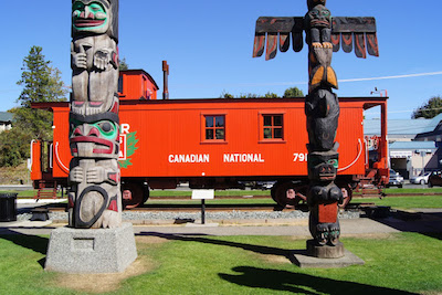 Tourist Attractions on Vancouver Island - Duncan Totem Poles
