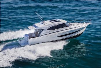Riviera yachts 395 SUV