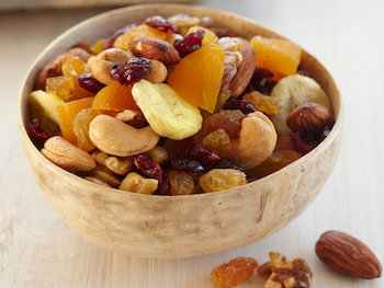 best foods to bring on your boat - dried fruit