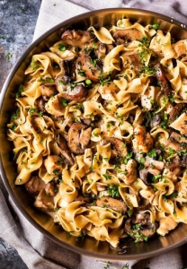 Best One Dish Meals - Chicken Stroganoff skillet
