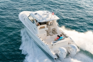 Pursuit Boats - OS355