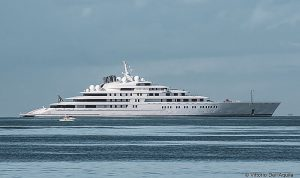 Azzam - longest privately owned superyacht