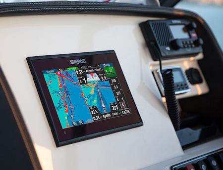 boat buying checklist - check marine radio