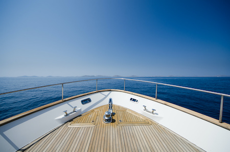 boat buying checklist - check interior / exterior