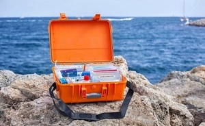 What do I need in my Emergency Boating Kit